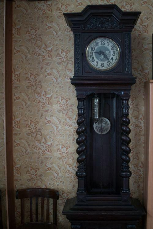 Старинные продам часы напольные стоимость смартфон часы