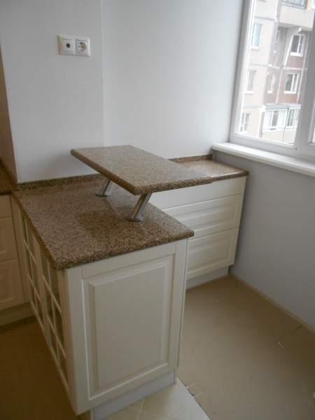 Столешницы из кварцевого камня для кухни, подоконники, барны.
